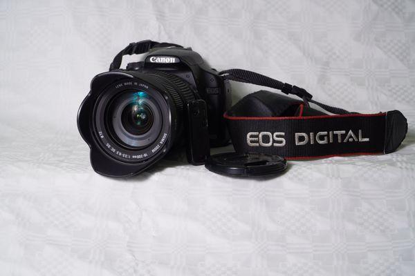 Canon EOS 500d inkl 18-200mm Sigma Objektiv und Zubehör - Mannheim - Canon EOS 500D, Verkaufe eine digitale Spiegelreflexkamera Canon EOS 500d (Foto -15,1 Megapixel, Full-HD Videoaufzeichnung) mit 18-200mm Sigma Reisezoomobjektiv und Zubehör. Die Linse des Objektivs hat perfekten Zustand ( es war immer UV Filte - Mannheim