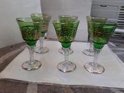 12 schöne antike Gläser