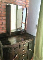 Antiker französischer Schrank mit Spiegel