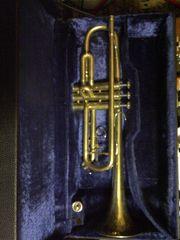 Trompete mit Koffer und Mundstück