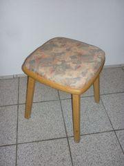 sehr schöner Sitzhocker aus Holz