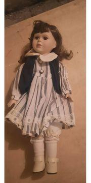 schöne Porzellan Puppe