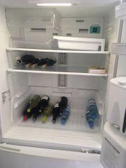 Großer Kühlschrank an Selbstabholer