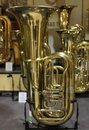 Melton B - Tuba Messing lackiert