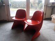 Zwei Kinderstühle Casalino 0 um