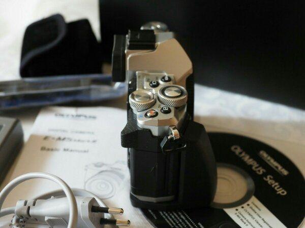 Kamera Olympus OM-D E-M5 Mark II silber plus Zubehörpaket