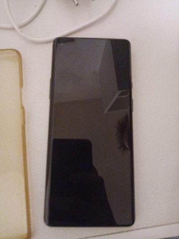 OnePlus 8Pro mit Zubehör Top