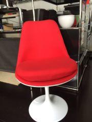 Eero Saarinen Tulip Chair rot-weiß