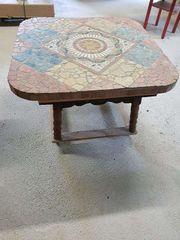 Wunderschöner Tisch aus Handarbeit