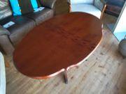 Tisch oval mit Tatzenfüssen
