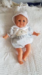 Hochwertige entzückende Babypuppe