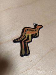 kleiner Känguru Anhänger aus Metall