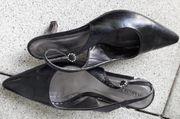 schwarzer offener Schuh Gr 38