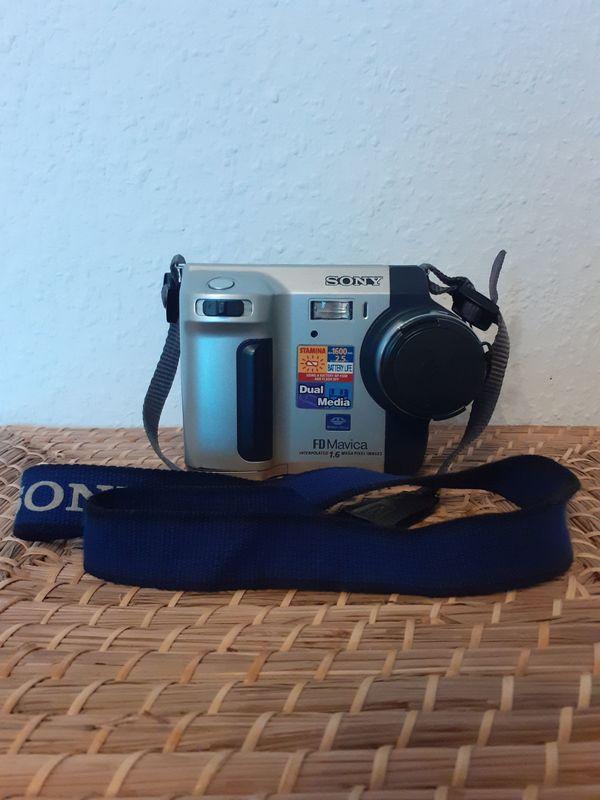 Sony Mavica FD92 1, 2 MP Digitalkamera Fotoapparat Camcorder Original verpackt