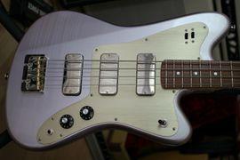 Deimel Firestar Bass, Saturn Lavender, neuwertig, 3 x Lollar Thunderbird Pickups