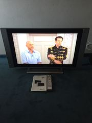 Philips Flat TV LC320 w01
