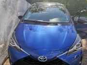 Motorhaube und Scheinwerfer Toyota Yaris