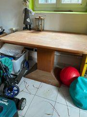 Tisch Küchentisch sehr robust und