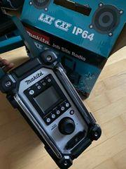Makita DMR107 Akku-Baustellenradio 7 2 V