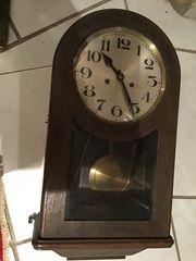 Alte Uhr mit Westminster Schlag