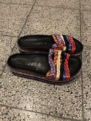 2x verschiedene par Schuhe