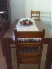 Tisch ohne Stühle