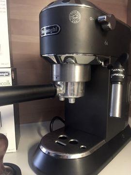 Siebträger Kaffeemaschine Delonghi mit Zubehör