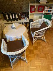 Rattan Sessel mit Tisch