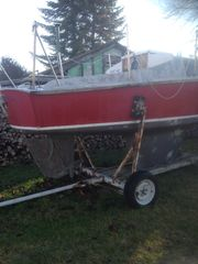 Segelkajütboot mit Hafentrailer und 5