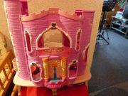 aufklappbares Märchenschloss mit Aufzug