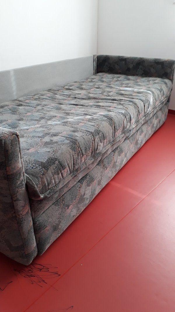 Auszieh-Couch