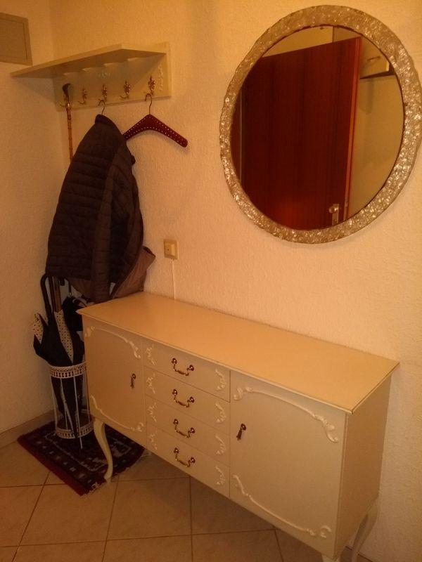 Garderobenmöbel Chippendale weiss