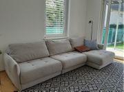 Schönes 4-Sitzer-Sofa in perfektem Zustand