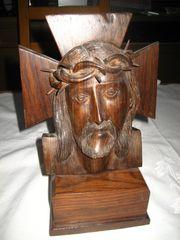 Jesus mit Dornenkrone geschnitzte Holzfigur