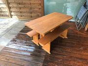Holzbank und Holztisch für Kinder