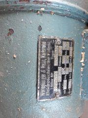 Abricht- und Dickenhobelmaschine mit Langlochbohrer