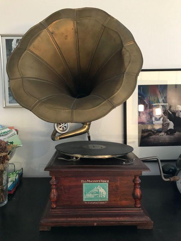 Lässiges Grammofon voll funktionstüchtig OSTERSCHNÄPPCHEN