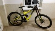 Downhillbike commencal supreme v3