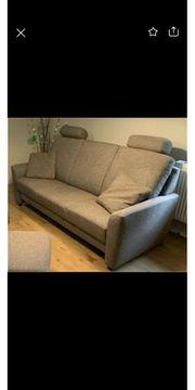 Couchgarnitur mit 2 Kissen Farbe