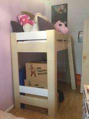 Hochbett für Kinder und Jugendliche