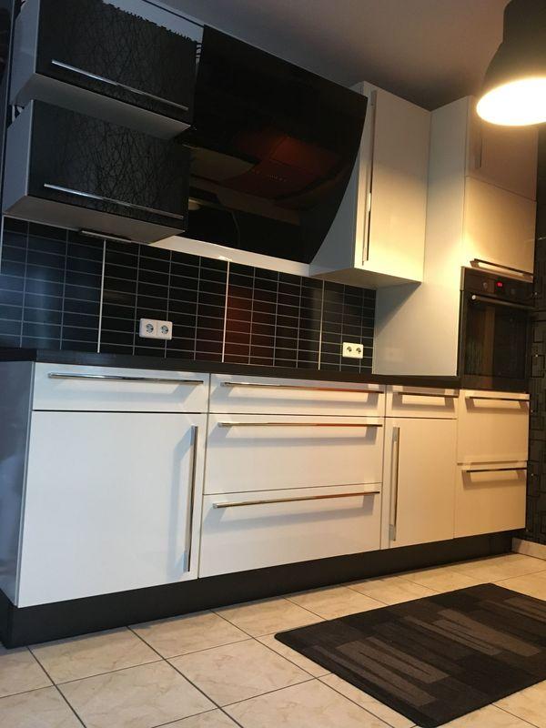 Einbauküche Nobilia mit E-Geräten Hochglanz
