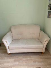 schöne Sofagarnitur sehr gepflegt