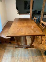Massivholz-Tisch mit 2Stühlen