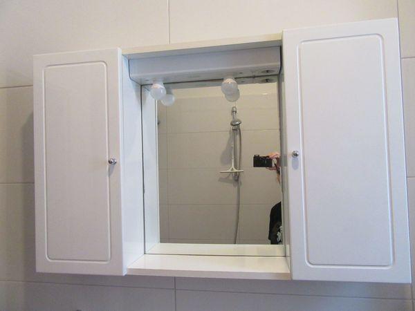 Spiegelschrank / Schrank / Regal fürs Bad / Badezimmer in ...