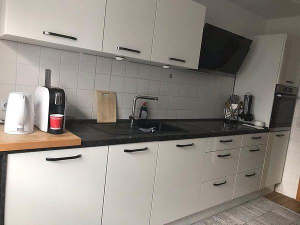 Küchenzeile mit Insellösung von Nolte