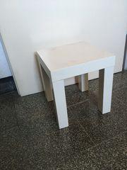 kleiner weißer Beistelltisch von Ikea