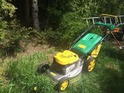 Rasenmäher mit Antrieb