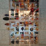 Setzkasten mit Parfümminiaturen