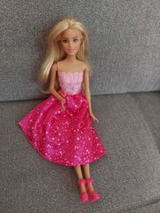 Verschiedene Barbiepuppen