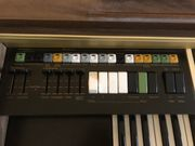 Hohner Symphonie D89 mit Stuhl
